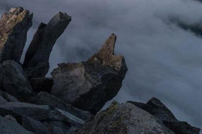 槍ヶ岳いいね岩